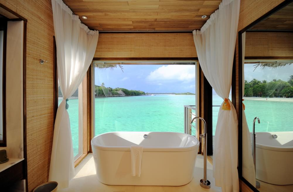 maldives hotel room