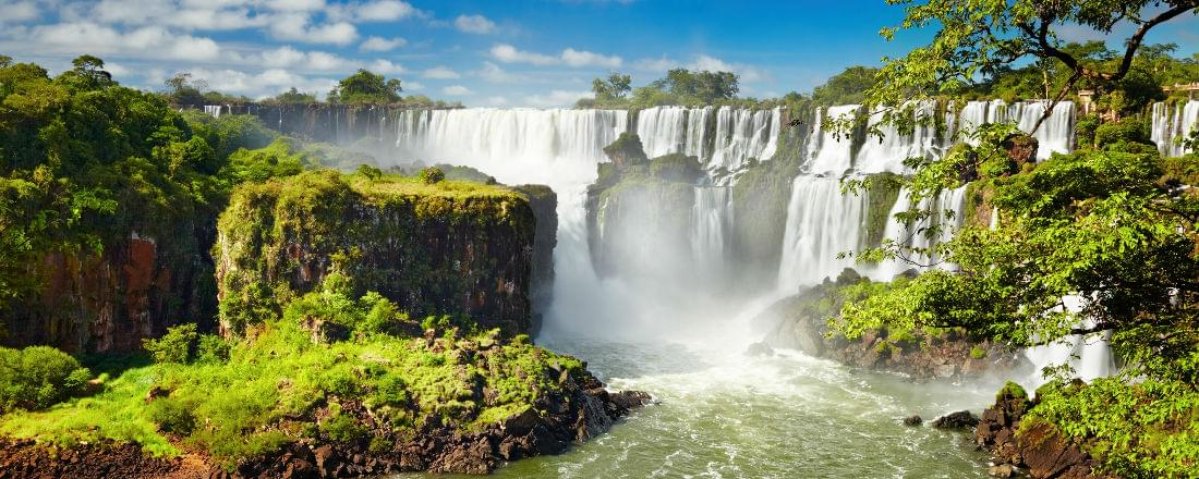 See the Natural Beauty of Iguazu Falls