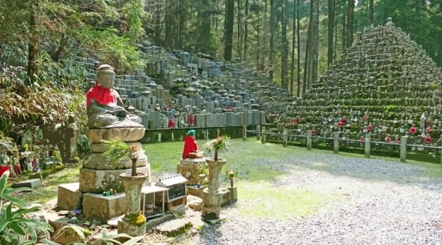 Buddha statues and gravestones at Mount Koya