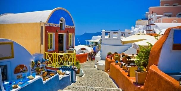 The town of Oia in Santorini