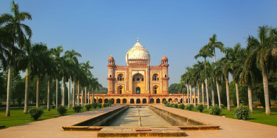 Delve Into Delhi and Get There With Miles