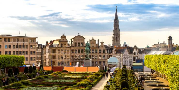 Fly roundtrip to Brussels